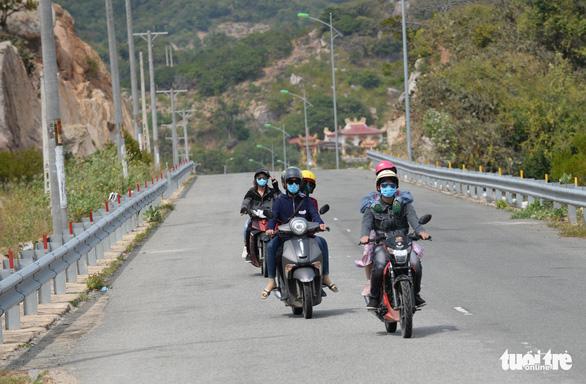 Cung đường ven biển đẹp ngất ngây về Sài Gòn - Ảnh 12.