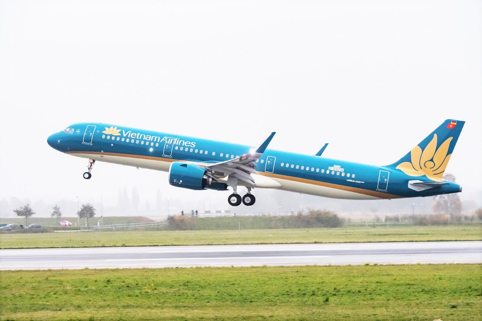 Việc khai thác trở lại đồng loạt 6 đường bay nội địa sắp tới đánh dấu nỗ lực vượt khó mạnh mẽ nhằm khôi phục sản xuất kinh doanh của Vietnam Airlines.