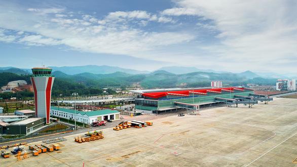 Tiếp tục đóng cửa sân bay Vân Đồn đến ngày 3-3 - Ảnh 1.