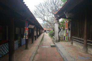 Theo nhiều tài liệu, chùa Bút Tháp được xây dựng vào thế kỷ 13, 14