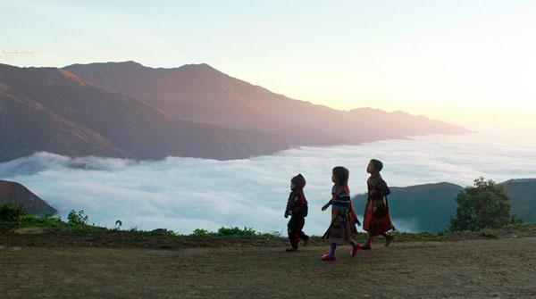 Mây bồng bềnh ở khu núi rừng Bắc Yên