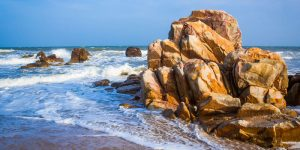 Bãi Rạng Bình Thuận ngọt ngào như cô nàng biển cả nhưng cũng rất đỗi cá tính