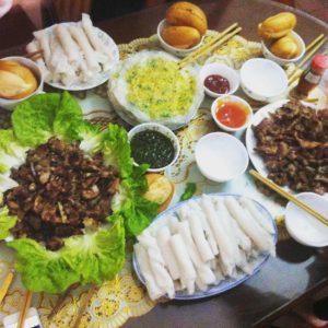 Bánh gật gù là món ăn không thể thiếu trong các bữa tiệc ở Tiên Yên
