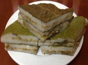 Món bánh nếp nhân trứng kiến độc mà lạ của người Tày Tuyên Quang