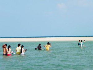 Tắm biển suối Ồ