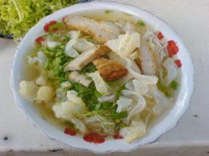 Bún sứa Bà Hoa ngon nhất vùng phan thiết với nhiều nguyên liệu thơm ngon