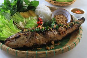 Đặc sản Cà Mau- cá lóc nướng trui