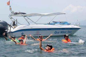 Ca Nô là phương tiện được sử dụng trong du lịch Quy Nhơn