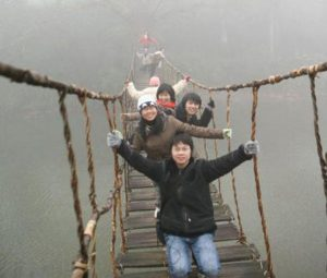 Cầu Mây bồng bềnh trong sương