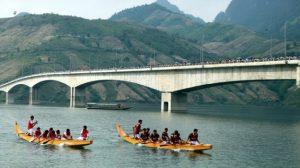 Lễ hội đua thuyền Quỳnh Nhai trên dòng sông Đà