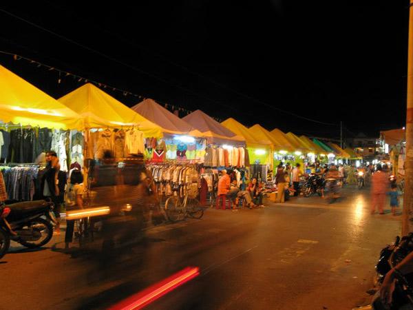 Chợ đêm Kỳ Lừa thu hút du khách
