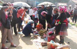 Hàng nông sản được bán ở chợ