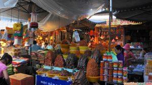 Những món đặc sản An Giang được bày bán hấp dẫn ở chợ Tinh Biên