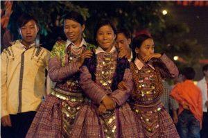 Những cô gái Mông đến tuổi trưởng thành đều háo hức đến chợ tình Mộc Châu mỗi năm mọt lần để tìm một nửa yêu thương