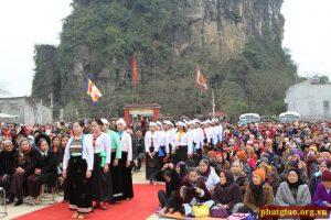 Lễ hội chùa Hang huyện Yên Thủy