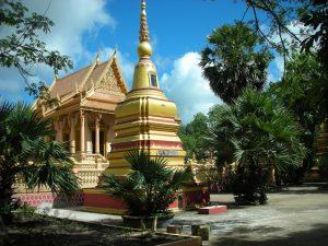 Du lịch Sóc Trăng tham quan chùa Kleang