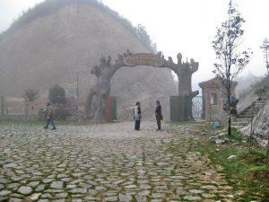 Mờ ảo khói sương nói cổng trời