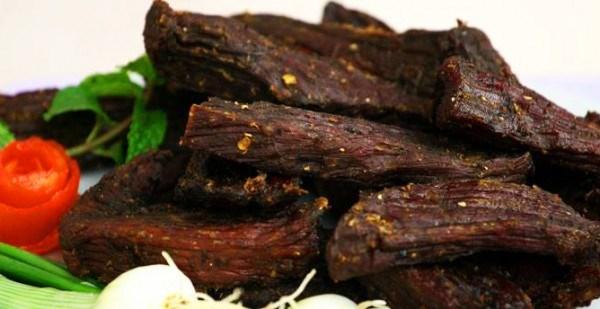 Thịt trâu gác bếp- đặc sản Điện Biên