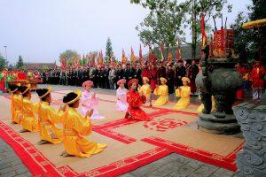 Những nghi lễ trong lễ hội đền Mẫu Âu Cơ rất trang trọng, nhiều tục lễ truyền thống