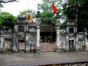 Đền suối Mỡ là điểm du lịch được nhiều du khách ghé thăm