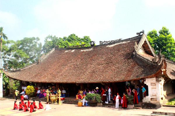Đình làng Đào Xá nới diễn ra các lễ hội