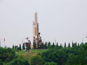 Tượng đài chiến thắng sông Lô ở Đoan Hùng