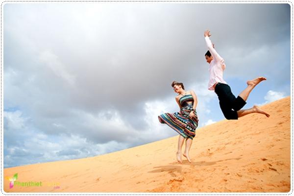 Đồi cát Mũi Né mê lòng du khách