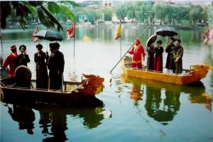 Hát quan họ bên hồ ở Bắc Ninh
