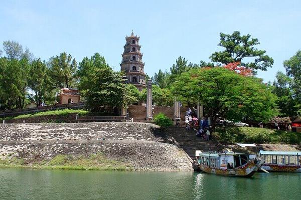 Chùa Thiên Mụ nổi tiếng xứ Huế