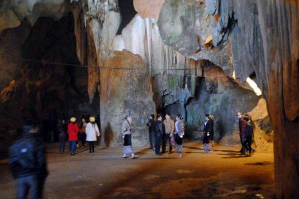Du lịch miền tây Nghệ An