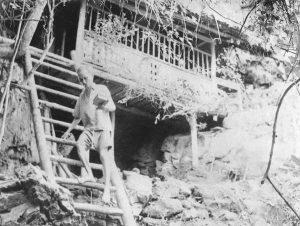 Bác Hồ những năm tháng ở hang Bòng