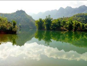 Hồ Chiêng Khoi-một hồ nước nhân tạo có vẻ đẹp tuyệt vời