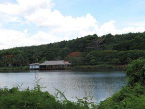 Khu du lịch hồ Suối Lam