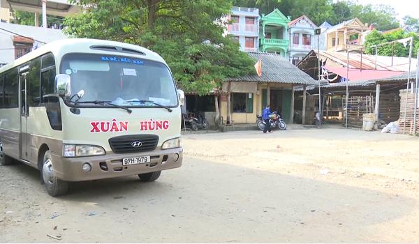 Xe khách đo huyện Chợ Đồn