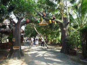 Tham quan khu du lịch sinh thái Mỹ Khánh
