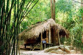 Lán Nà Lừa là một căn lán nhỏ, nằm ở sườn núi Nà Lừa