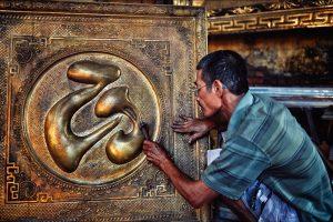 Những tác phầm chạm đồng tinh xảo ở Đồng Xâm