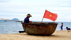 Thuyền thúng để dạo chơi trên biển