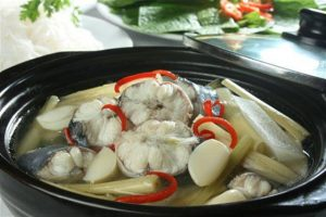 Lẩu cá lăng ngon, ngọt, thịt dai hấp dẫn