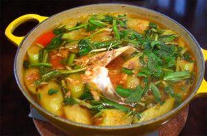 Đặc sản Kiên Giang- lẩu chua sả nghẹ cá nhám giàu