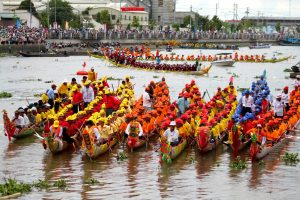 Lễ hội Ooc-Om-Bok và đua ghe ngọ,