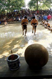 Bắt đầu diễn ra lễ hội cầu nước Làng Vân
