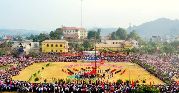 Một lễ hội ở Chiêm Hóa