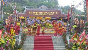 Lẽ hội chùa Hang diễn ra long trong, thu hút nhiều du khách về thăm