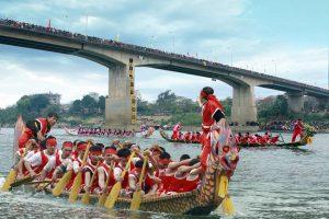 Lễ hội đua thuyền ở sông Sô