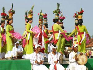 Lễ hội Óc Bom Bok của người Khơ Mer