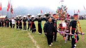 Lễ hội xuống đồng có nhiều nghie lễ đọc đáo, thu hút du khách về tham gia