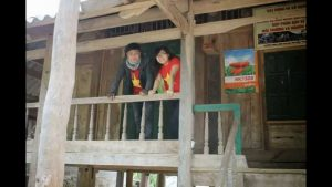 Nhà sàn người Mường ở Lũng Vân
