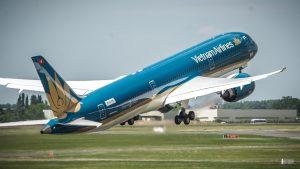 Nhiều hãng hàng không khai thách chuyến bay từ các tỉnh có sân bay đi Hà Nội