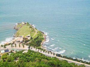 Mũi Nghinh Phong vươn mình ra biển Vũng Tàu